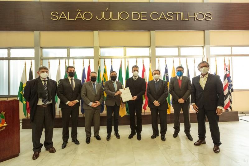 O PLDO foi protocolado pelo governo na Assembleia Legislativa - Foto: Gustavo Mansur/Palácio Piratini